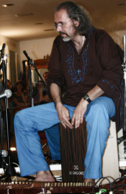 Click to view full size image  ==============  PASSAGE FROM INDIA:  Riccardo Misto (cajon) dal concerto