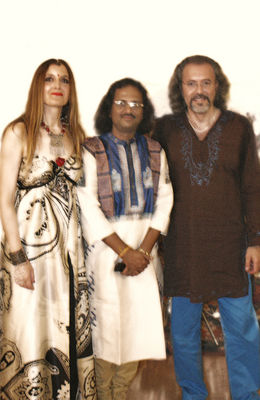 Click to view full size image  ==============  PASSAGE FROM INDIA: Silvia Refatto, Angshubha Banerjee,  Riccardo Misto dal concerto